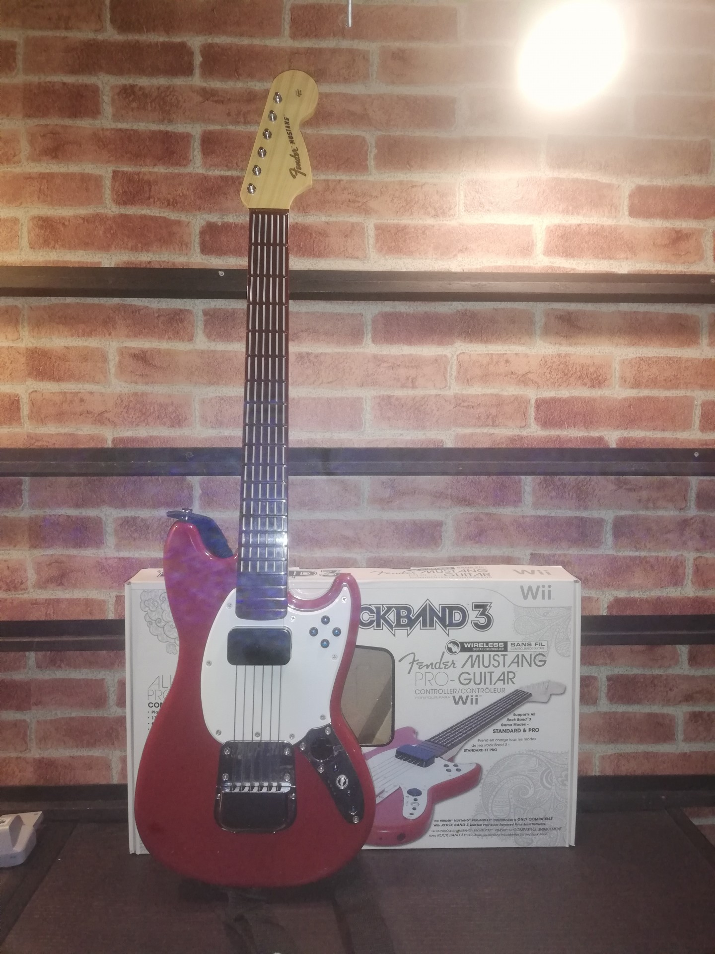 Rock Band 3 Pro Mustang Wireless Guitar - Wii