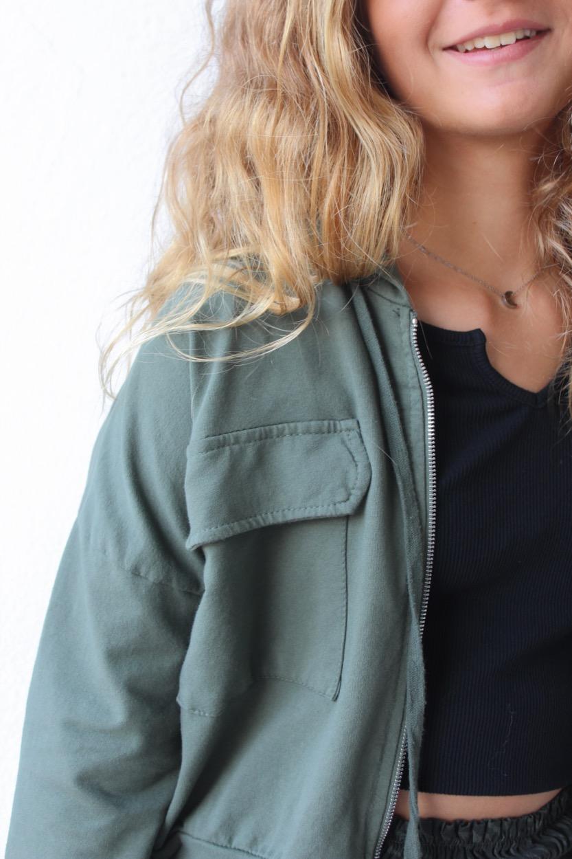 casaco felpa curto bolsos verde seco