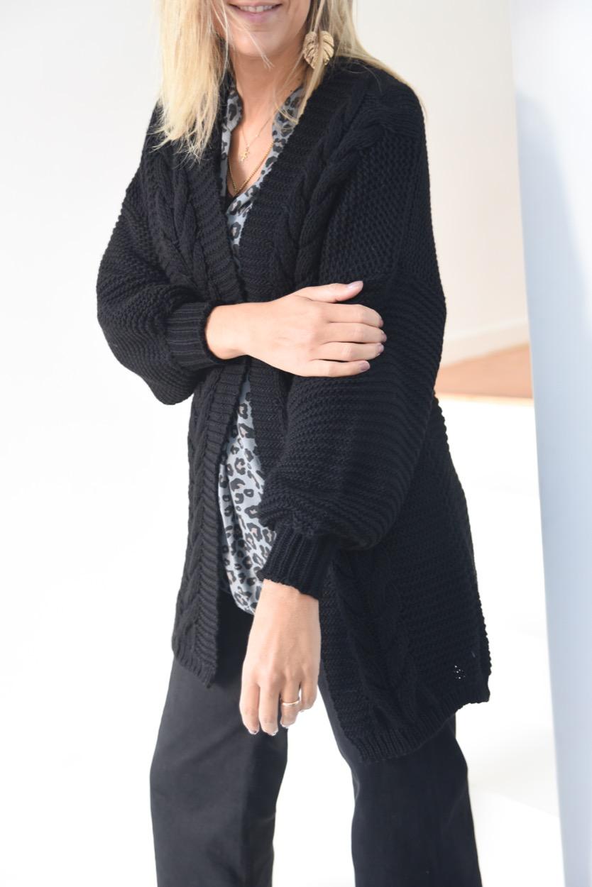 casaco aberto tranças preto