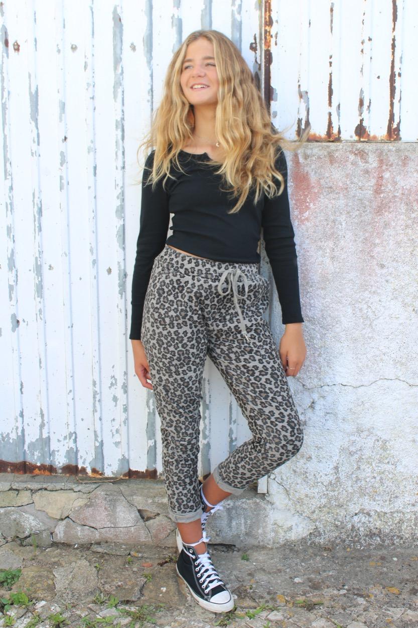 calças leopardo beje