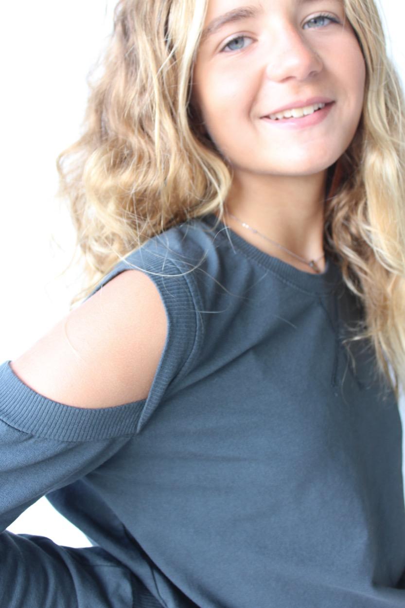camisola buraco ombros