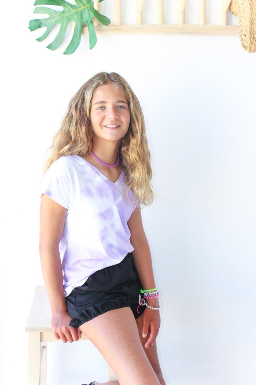 t-shirt tie dye bico lilás