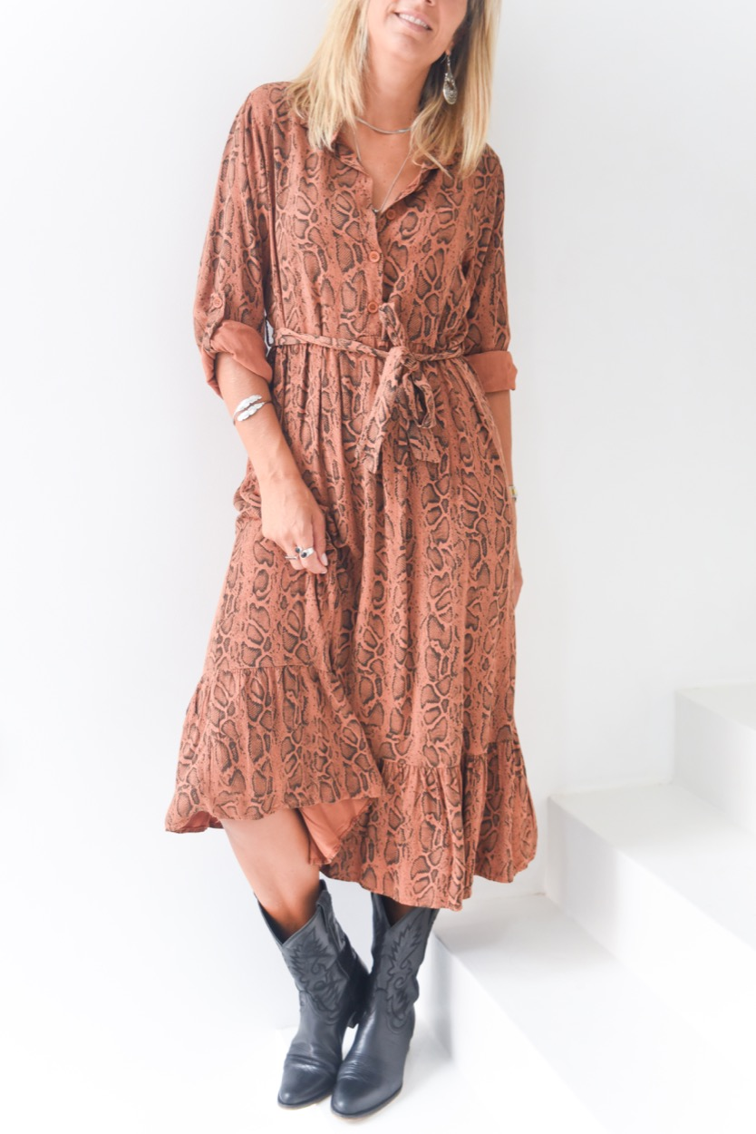 vestido cobra tijolo