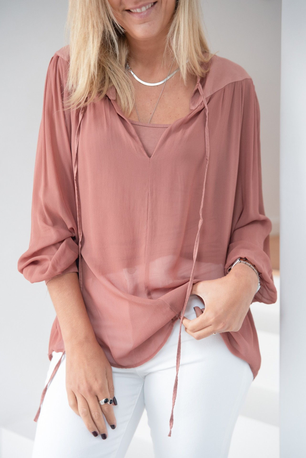 blusa ombros opacos rosa velho