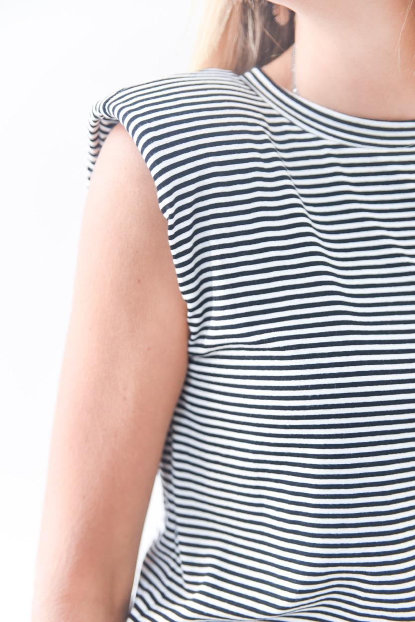 T-shirt chumaços riscas  preto