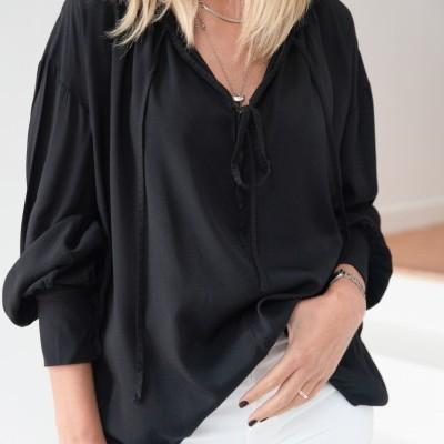 blusa fio decote preto