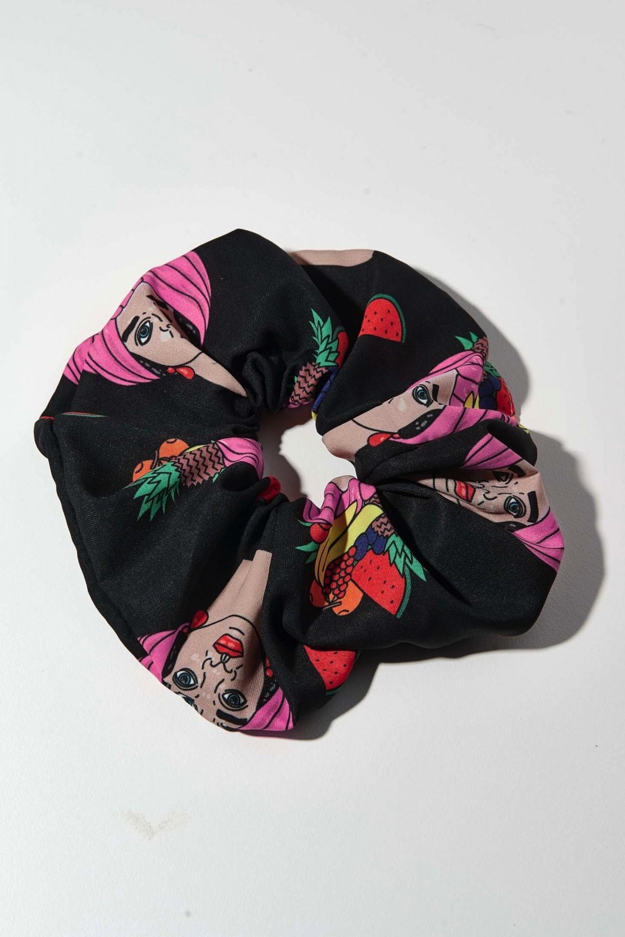 TRIBE SCRUNCHIE (BLACK & PINK SICILIAN HEADS) - KARAVAN CLOTHING
