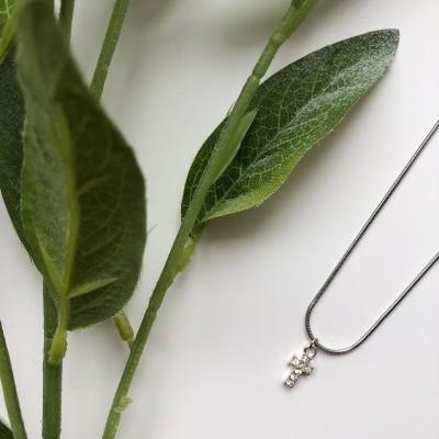Rose Necklace (SILVER) - ACTO DESIGN