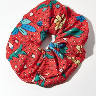 TRIBE SCRUNCHIE (RED PINEAPPLE) - KARAVAN CLOTHING