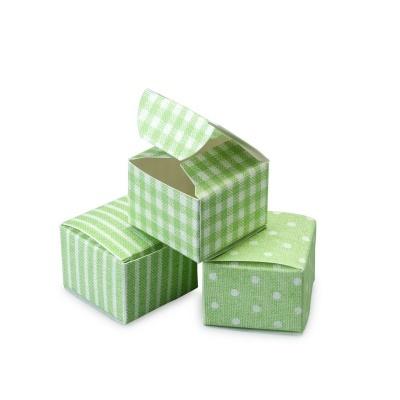 24 caixas com padrão verde