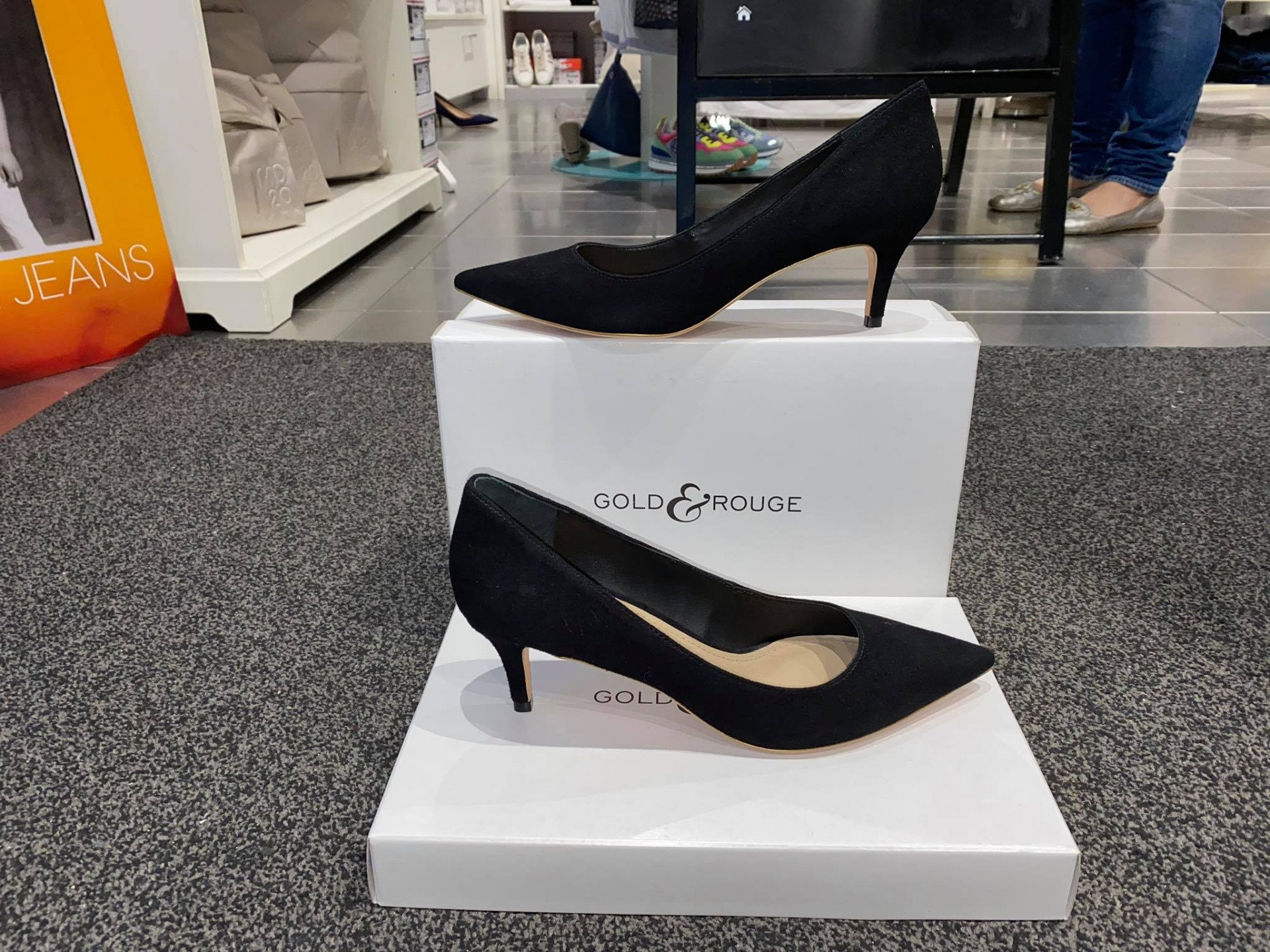 Sapatos GOLD&ROUGE