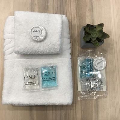 Kit de Boas-Vindas (champô + gel de banho + sabonete + welcome card) - 100 unidades