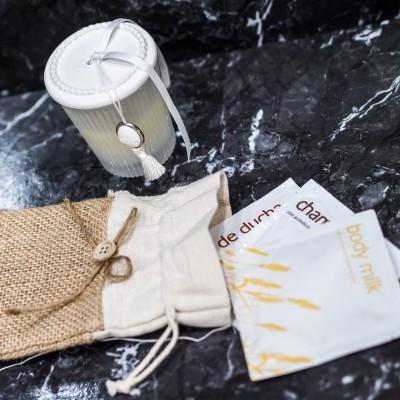 Saqueta de Juta com Champô + Gel de Banho + Loção Corporal