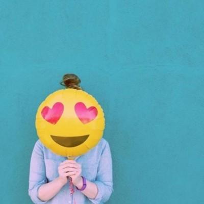 Emoji Heart Eyes 46cm