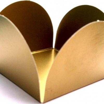 Forma brigadeiro ouro mate 24 unidades