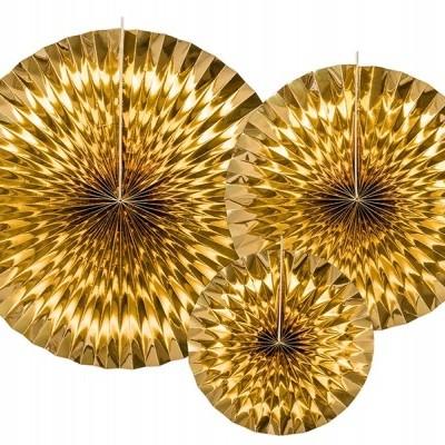 3 rosetas douradas