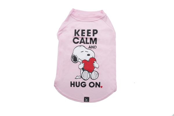 T-shirt Keep Calm Hug On Pink Oficial Snoopy