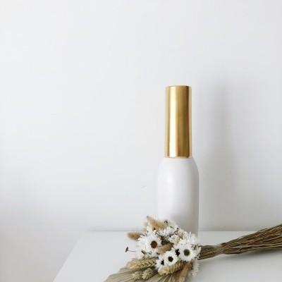 Jarra Branca e Dourada