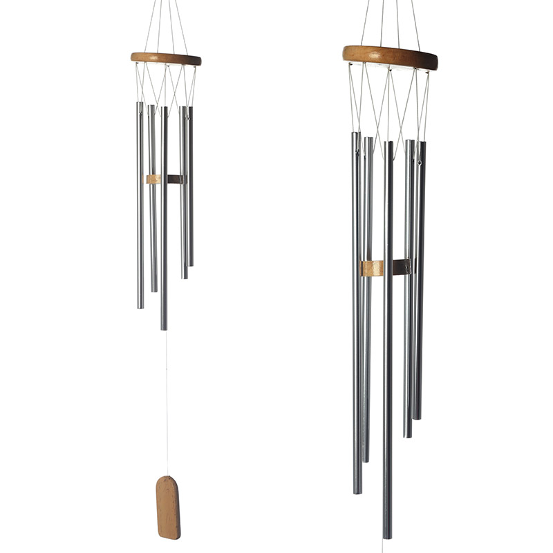 Espanta espíritos de madeira com tubos de metal 77cm