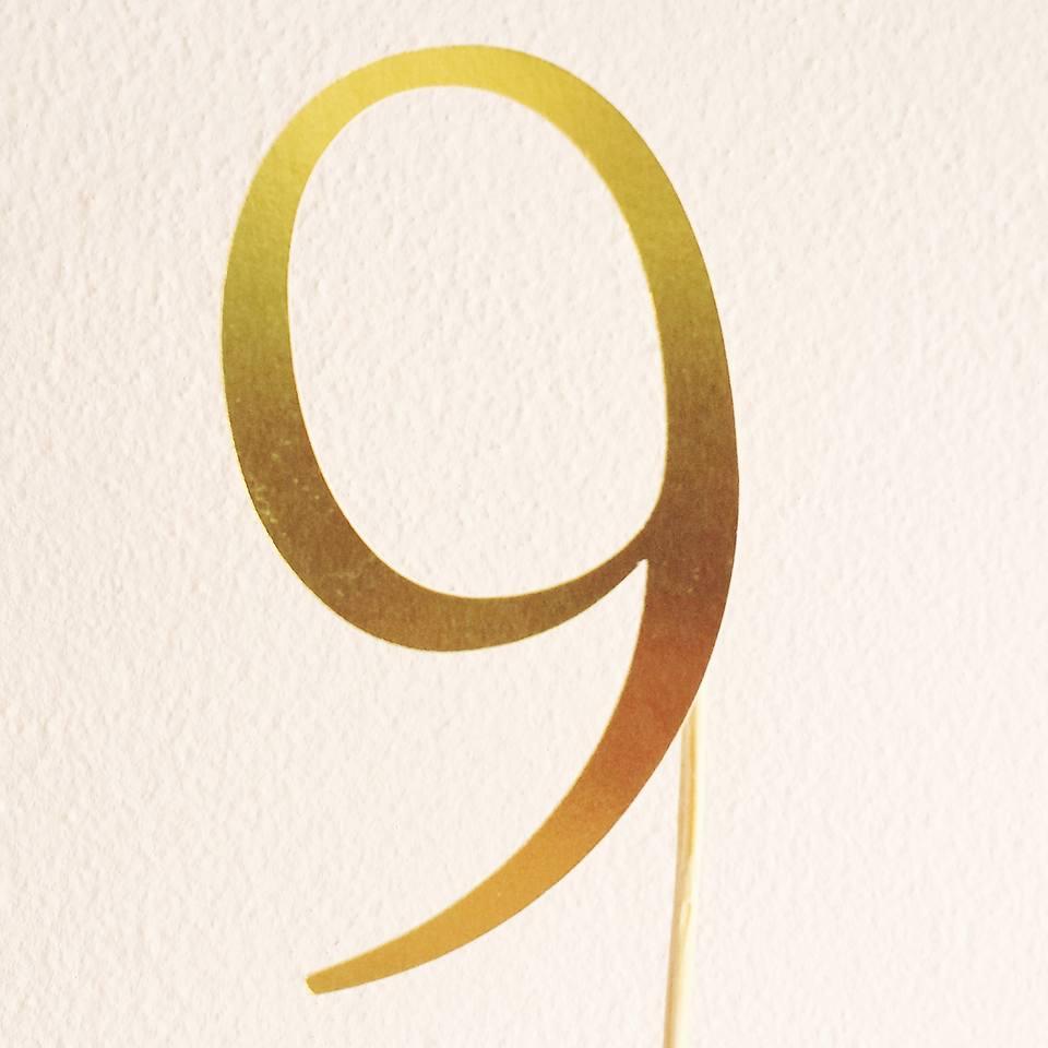 Topo de Bolo Nº 9 Dourado