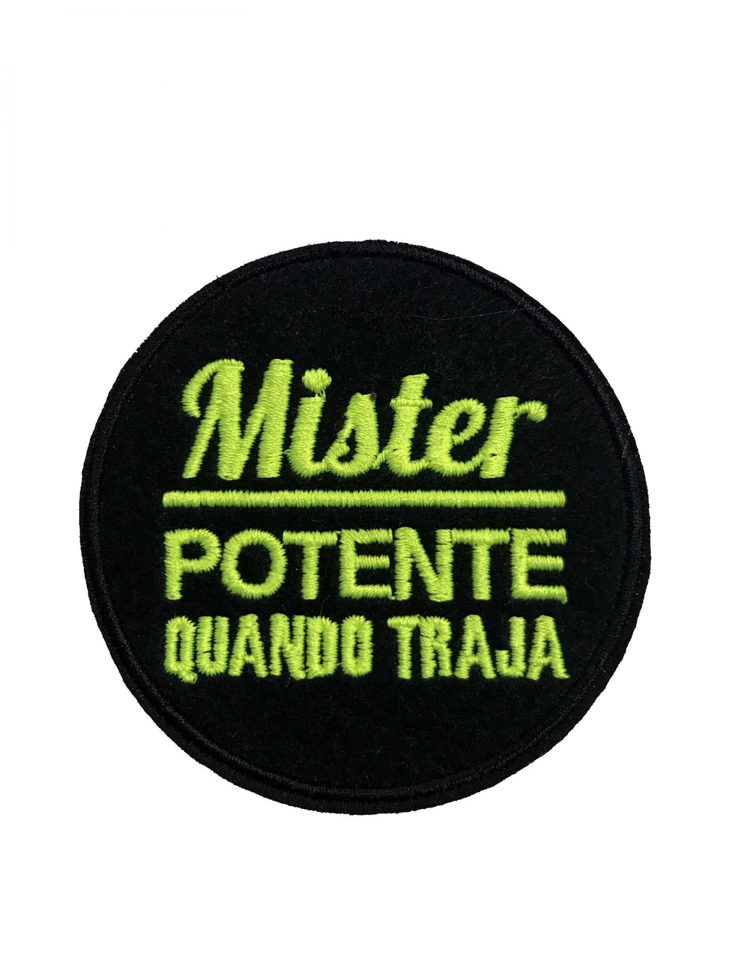 Emblema Mister potente quando traja