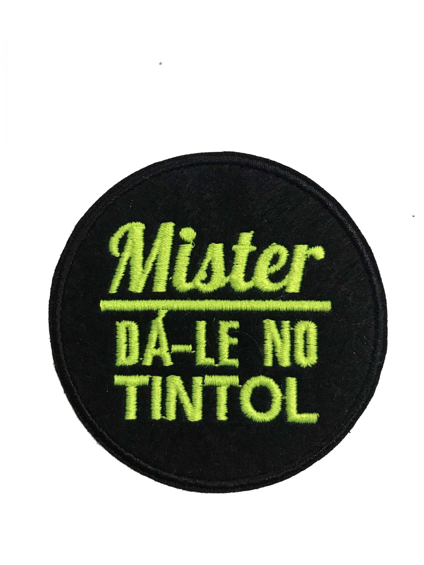 Emblema Mister dá-lhe tintol
