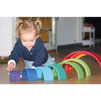 A importância dos brinquedos abertos e de madeira