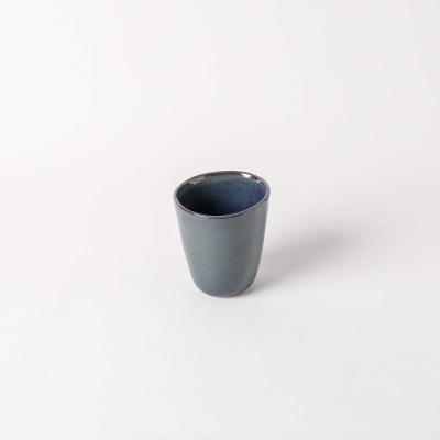 Copos de água feitos à mão