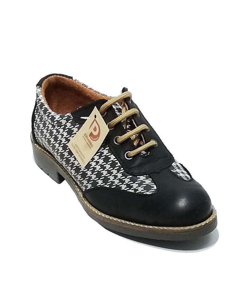 Sapato em cortiça e pele