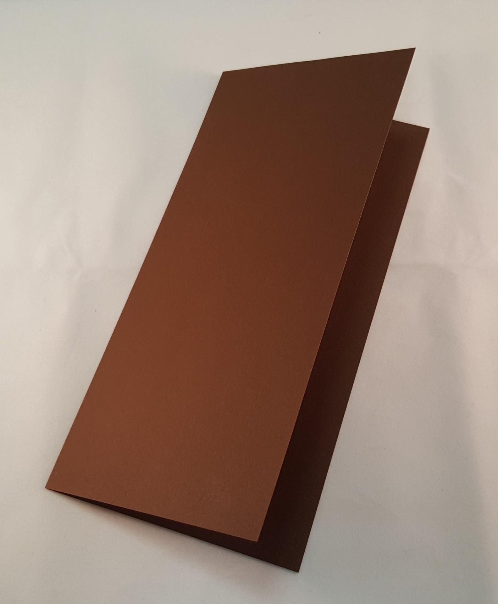 Cartão DL colorido  cor castanho escuro