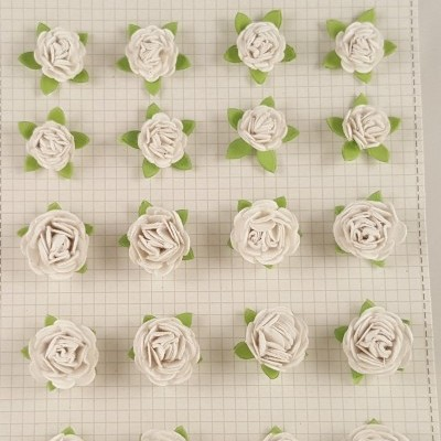 Flores de Papel para scrapbooking Little Birdie-rosas brancas