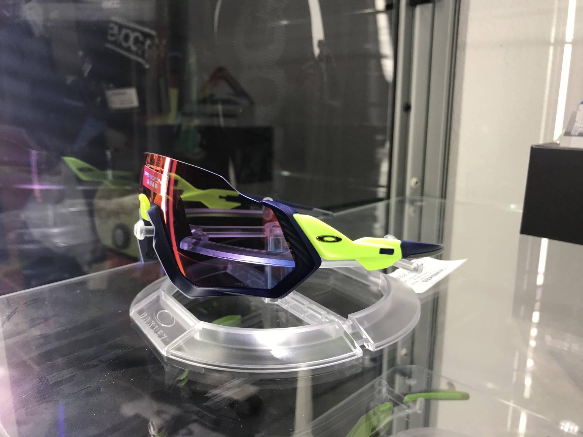 Óculos Oakley Flight Jacket Polishe - Green Neon - Prizm Road
