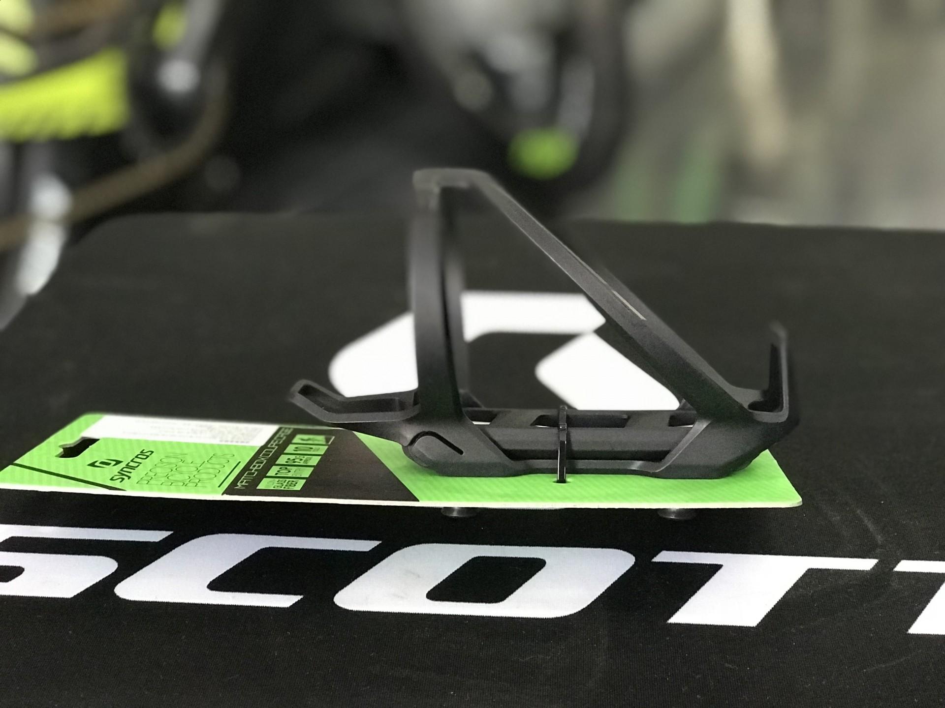 Grade Bidon Syncros com Kit ferramenta Matchbox coupe