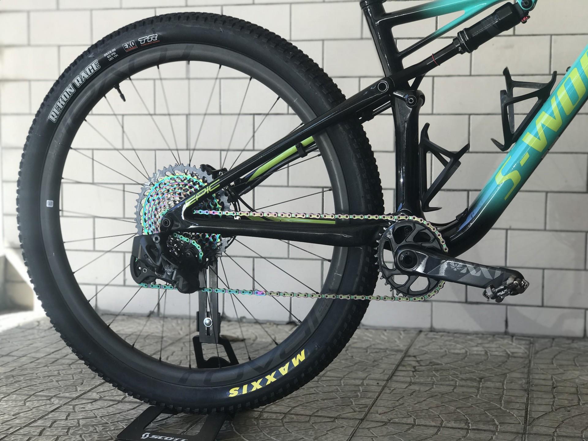 Bicicleta Specialized Epic S-Works AXS - semi.nova