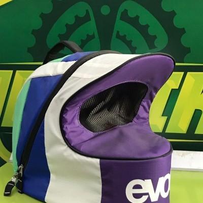 Mala EVOC para capacete DH / Enduro