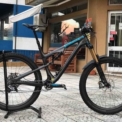 BICICLETA ROCKY MOUNTAIN ALTITUDE 799 - CARBONO - TOPO DE GAMA