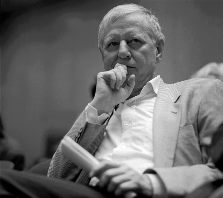66 POEMAS, Hans Magnus Enzensberger na imprensa