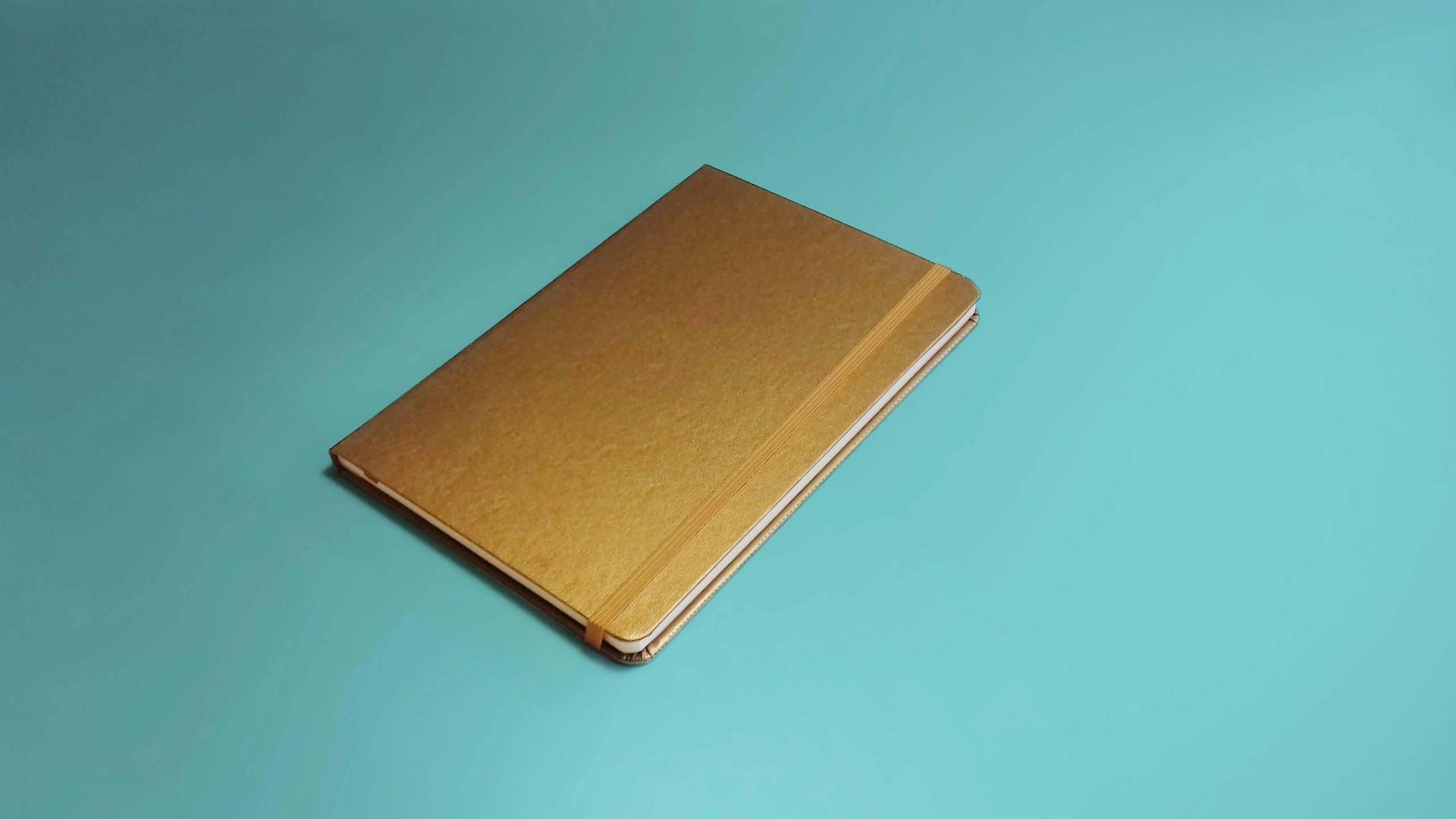 Caderno Dourado