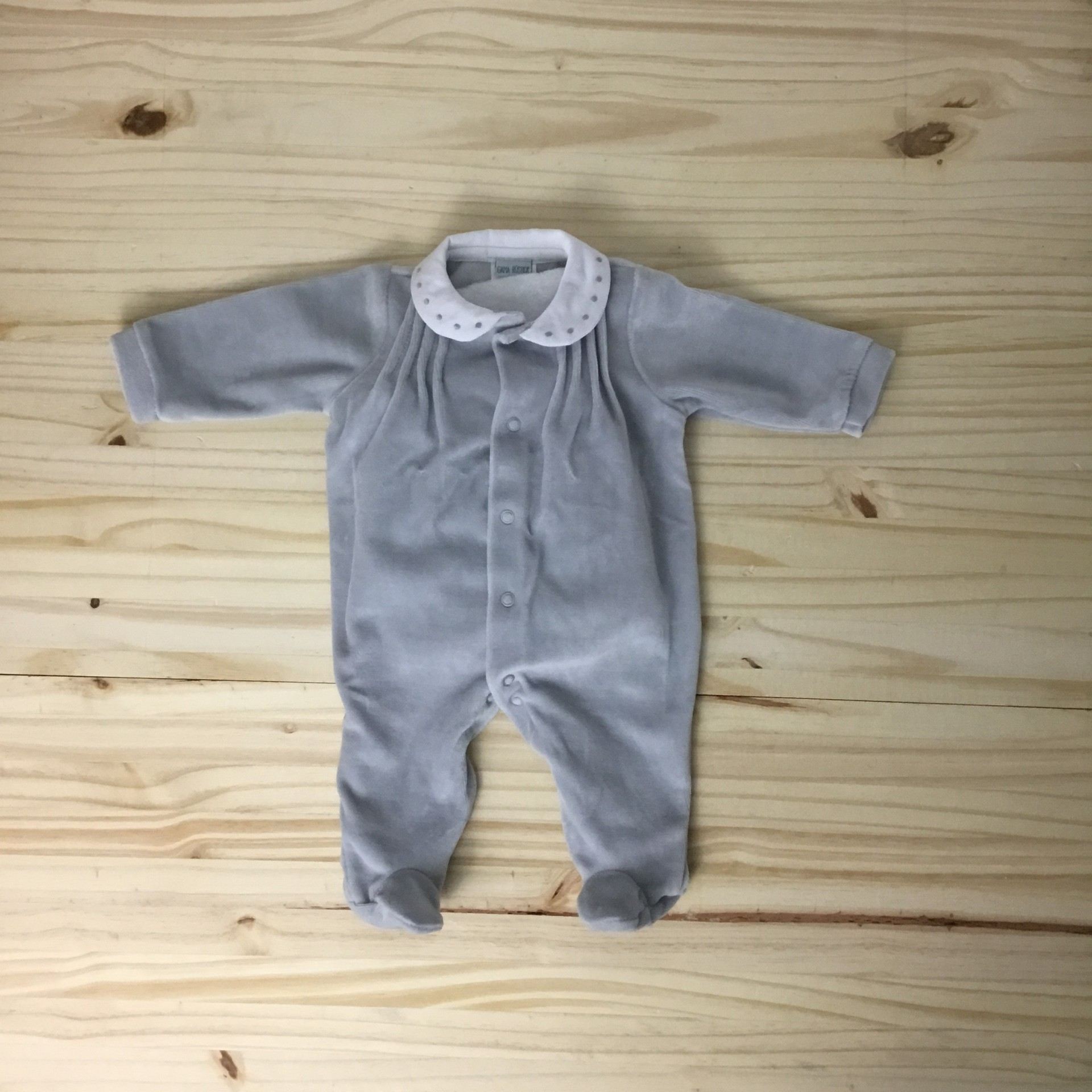 Babygrow cinza pintas