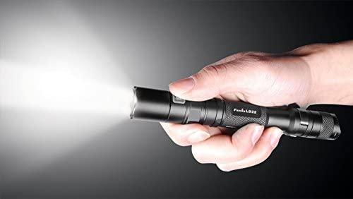 Lanterna Fénix LD22