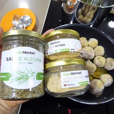Almôndegas com Molho de Cogumelos e Esparguete
