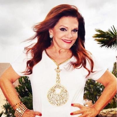 Rita Ribeiro a vestir Graça Esteves