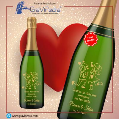 Garrafa vinho personalizada para Dia dos Namorados - GV06
