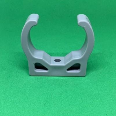 Abrazadera para tubería perforado de 49 mm