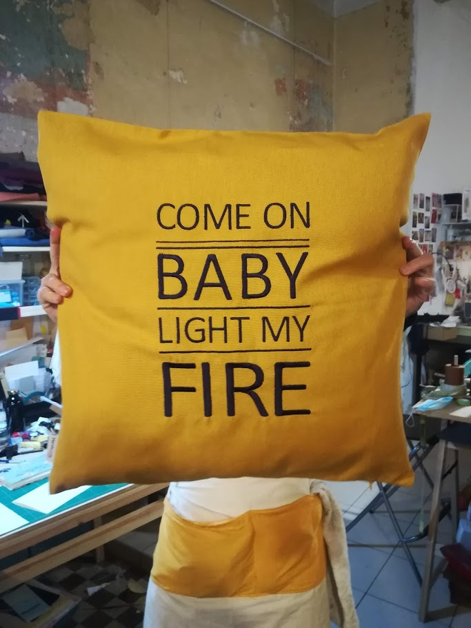 COME ON BABE LIGTH MY FIRE