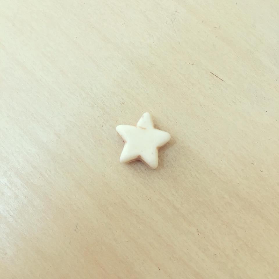 Estrela Branca Howlite