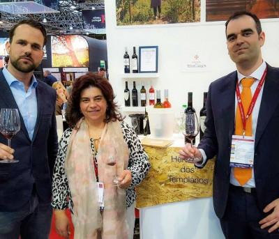 Prova de vinhos na feira internacional de vinhos Prowein em Dusseldorf