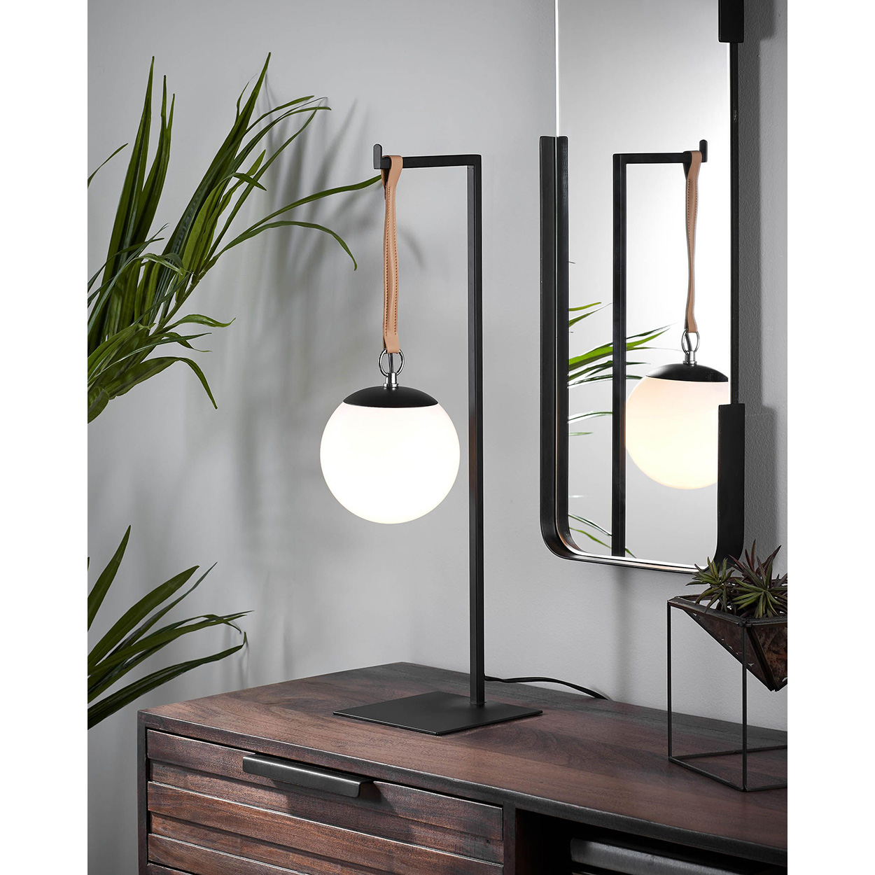 Candeeiro de mesa Globo, acrílico/metal, branco/preto
