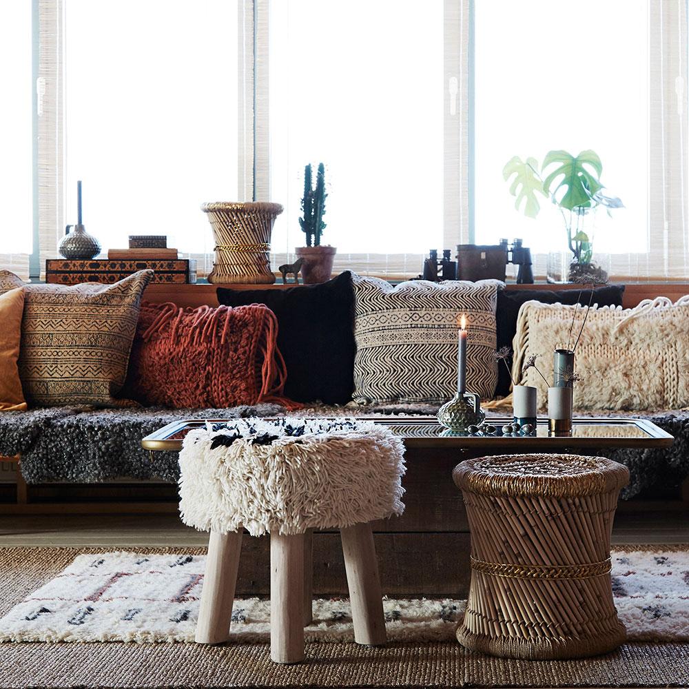 Tamborete de madeira forrado em lã natural, Ø40x40