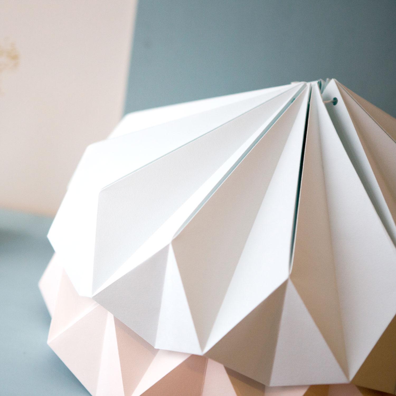 Abajur de papel Origâmi, modelo Serán